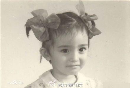 女星的童年照,杨幂可爱,刘亦菲气质,娜扎精-第2张图片