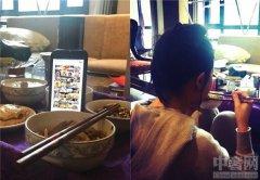 刘亦菲春节晒美照 刘亦菲自嘲假装吃大餐