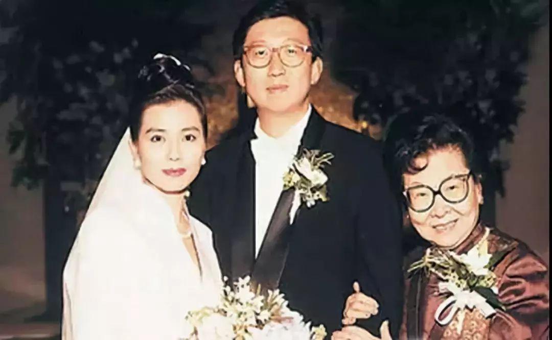 有人45岁还能吊打刘亦菲,有人为亡夫终身不再嫁...那些年的港星都还好吗?-第61张图片