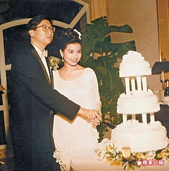 有人45岁还能吊打刘亦菲,有人为亡夫终身不再嫁...那些年的港星都还好吗?-第62张图片