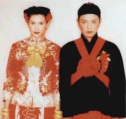 有人45岁还能吊打刘亦菲,有人为亡夫终身不再嫁...那些年的港星都还好吗?-第88张图片