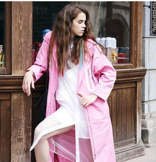 关晓彤 刘亦菲粉色搭配 兼具优雅和干练-第8张图片