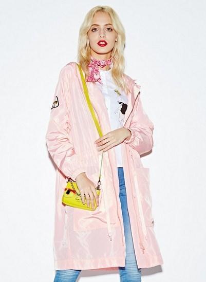 关晓彤 刘亦菲粉色搭配 兼具优雅和干练-第9张图片