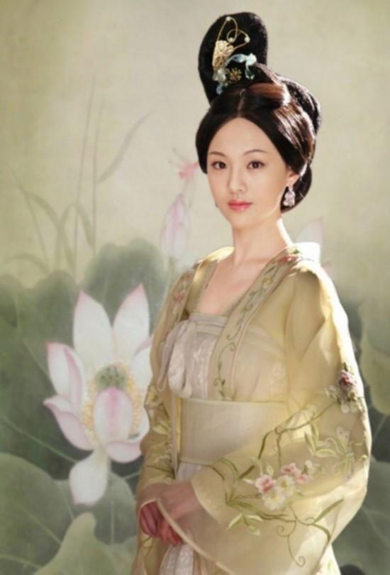 郑爽刘诗诗舒畅毛晓彤刘亦菲朱茵 那些在古装剧中惊艳出场的女子-第1张图片