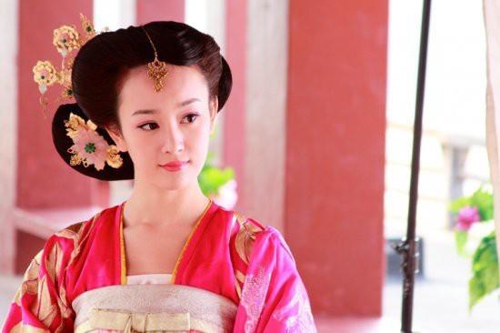 郑爽刘诗诗舒畅毛晓彤刘亦菲朱茵 那些在古装剧中惊艳出场的女子-第10张图片