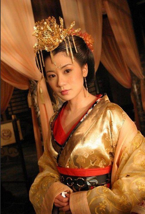 郑爽刘诗诗舒畅毛晓彤刘亦菲朱茵 那些在古装剧中惊艳出场的女子-第16张图片