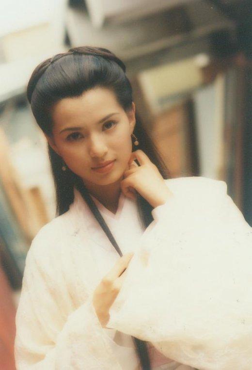 郑爽刘诗诗舒畅毛晓彤刘亦菲朱茵 那些在古装剧中惊艳出场的女子-第18张图片