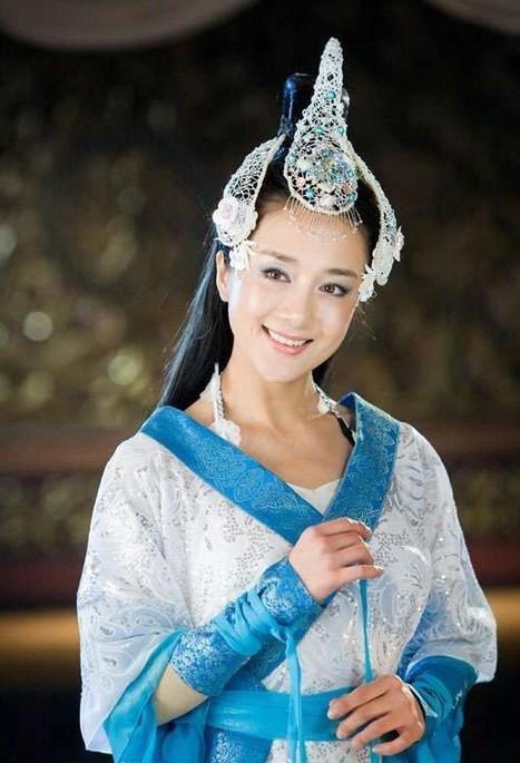 郑爽刘诗诗舒畅毛晓彤刘亦菲朱茵 那些在古装剧中惊艳出场的女子-第33张图片