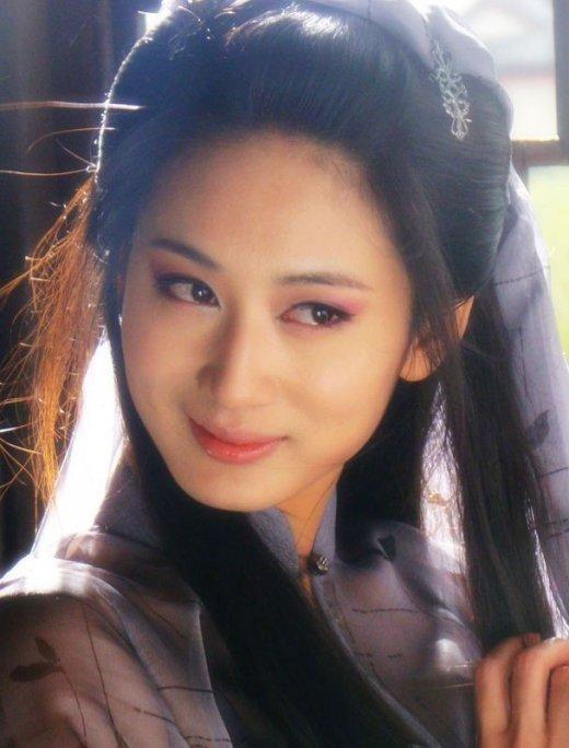 郑爽刘诗诗舒畅毛晓彤刘亦菲朱茵 那些在古装剧中惊艳出场的女子-第34张图片