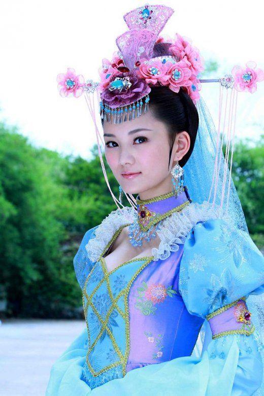 郑爽刘诗诗舒畅毛晓彤刘亦菲朱茵 那些在古装剧中惊艳出场的女子-第35张图片