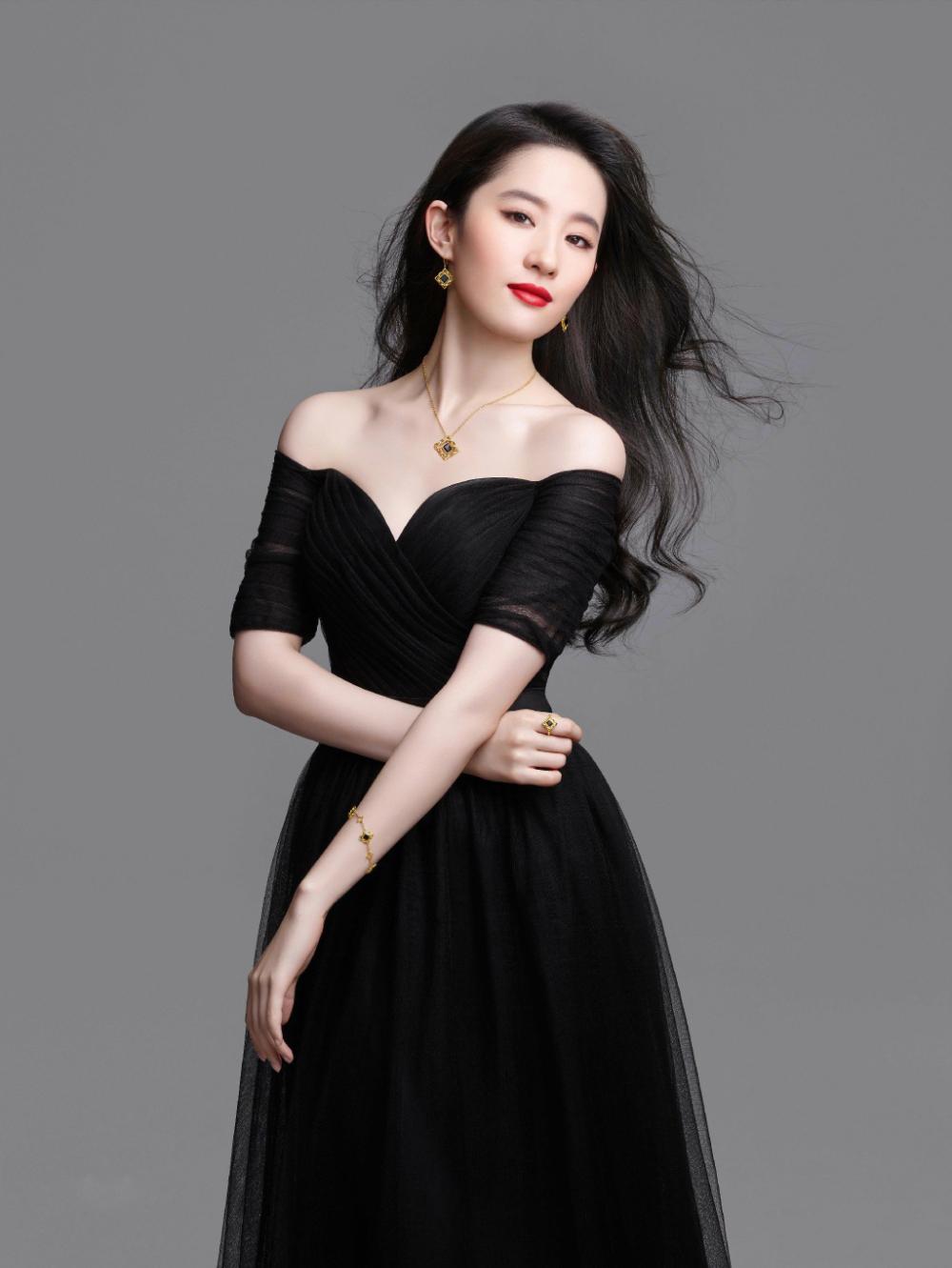 肌肤胜雪,容色绝丽—刘亦菲-第2张图片