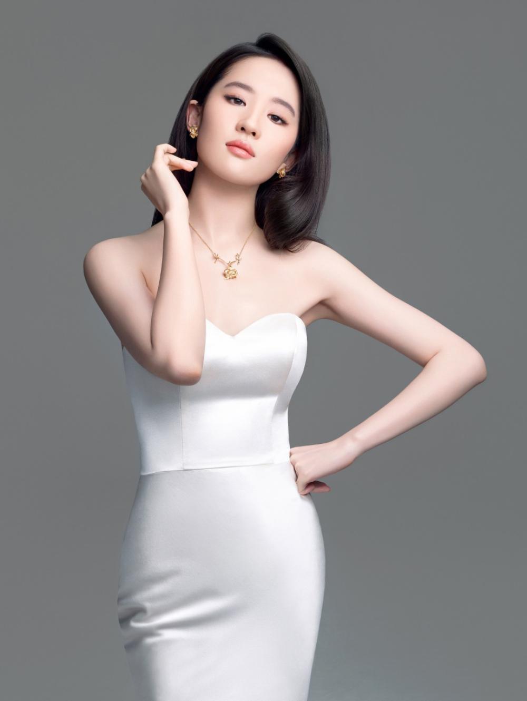 肌肤胜雪,容色绝丽—刘亦菲-第4张图片