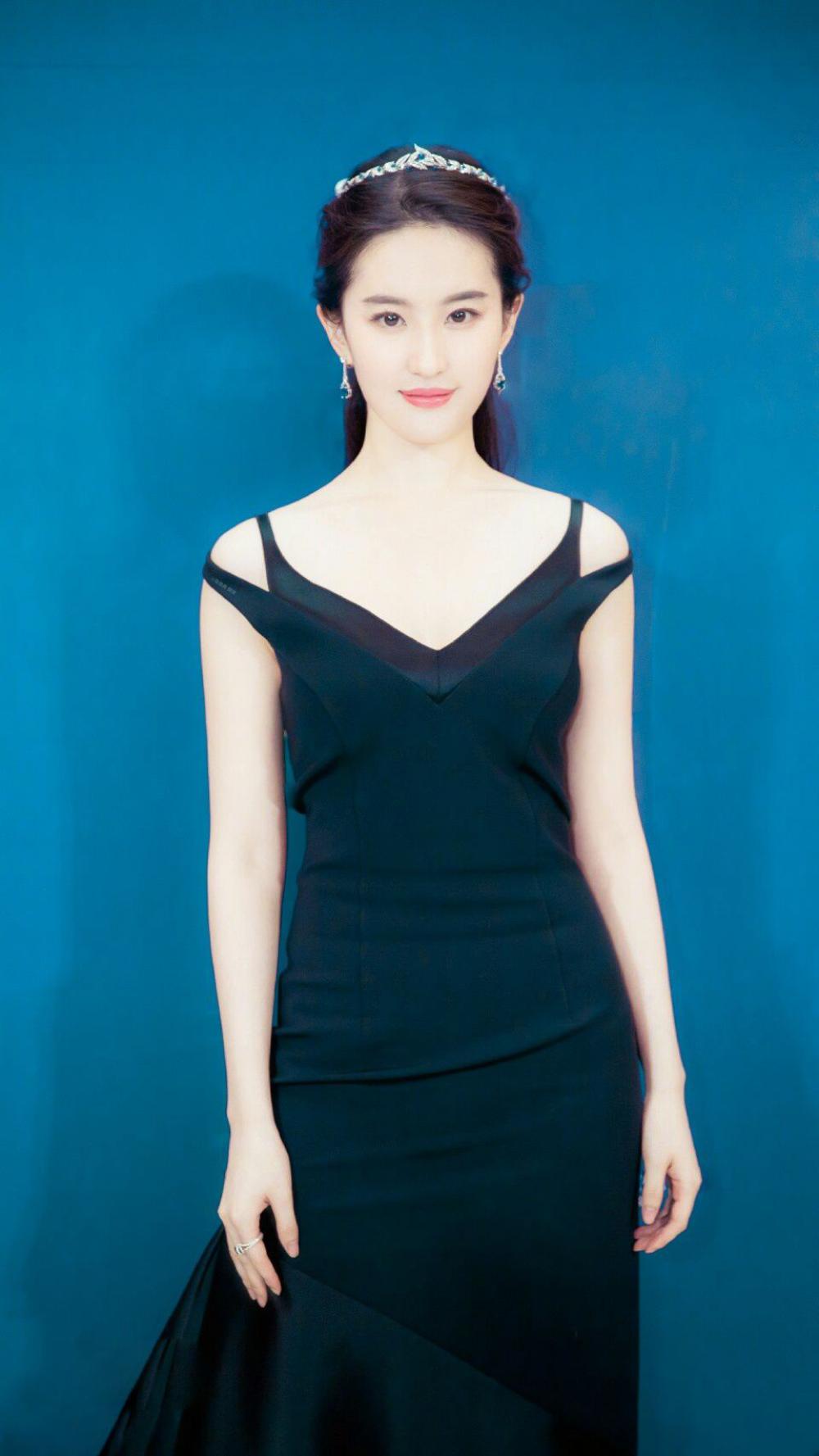 肌肤胜雪,容色绝丽—刘亦菲-第5张图片