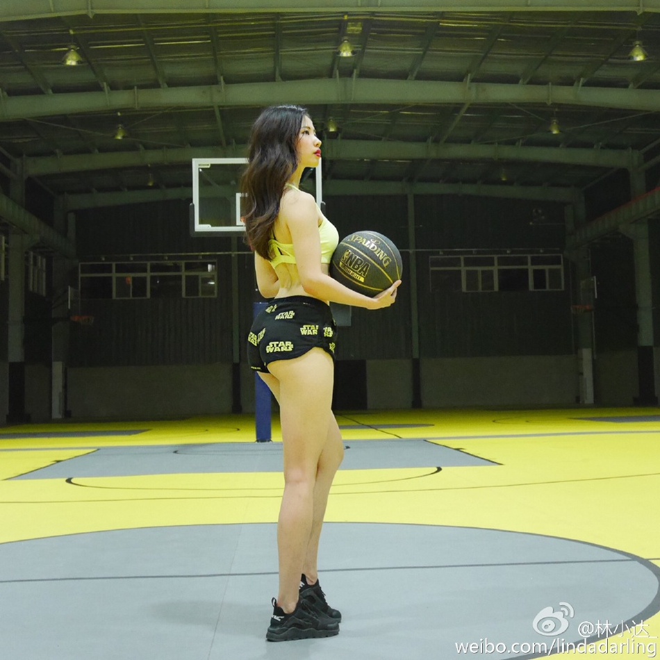身材火辣的运动女神神似刘亦菲-第4张图片