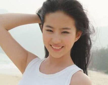 16岁的刘亦菲试镜小龙女获金庸四次肯定!这么美的刘亦菲你见过吗?-第3张图片