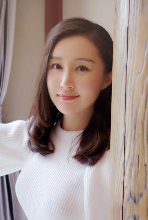 刘亦菲的好闺蜜,颜值不比刘亦菲低,只是现在依然不红-第6张图片