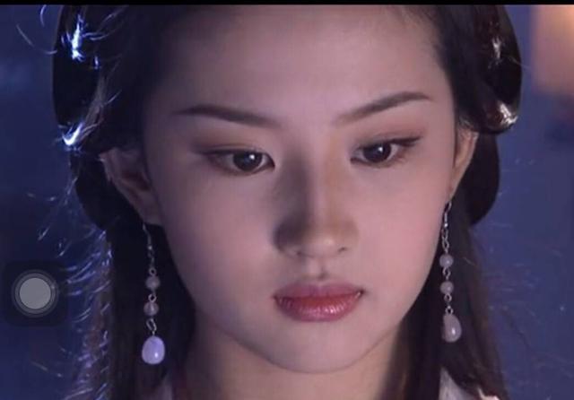 别再吹刘亦菲天仙颜了,她年轻的颜值瞬间秒过刘亦菲-第2张图片