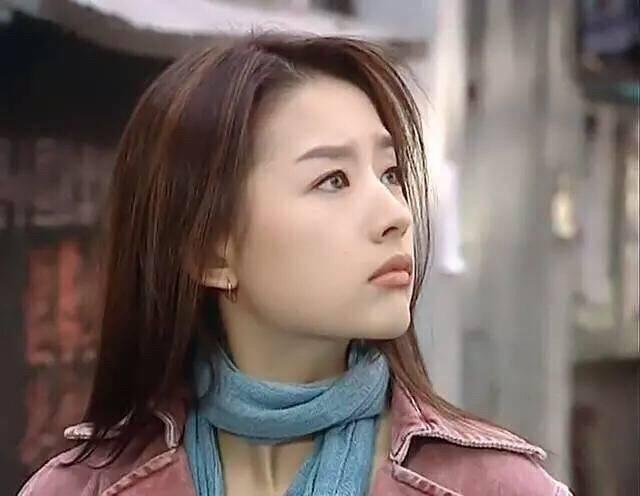 别再吹刘亦菲天仙颜了,她年轻的颜值瞬间秒过刘亦菲-第8张图片