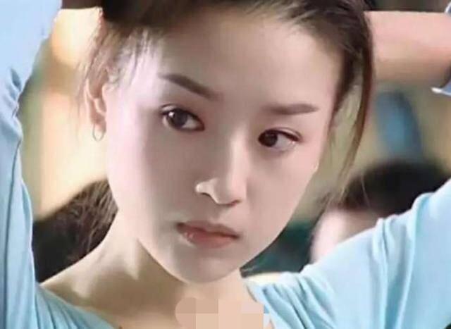 别再吹刘亦菲天仙颜了,她年轻的颜值瞬间秒过刘亦菲-第12张图片