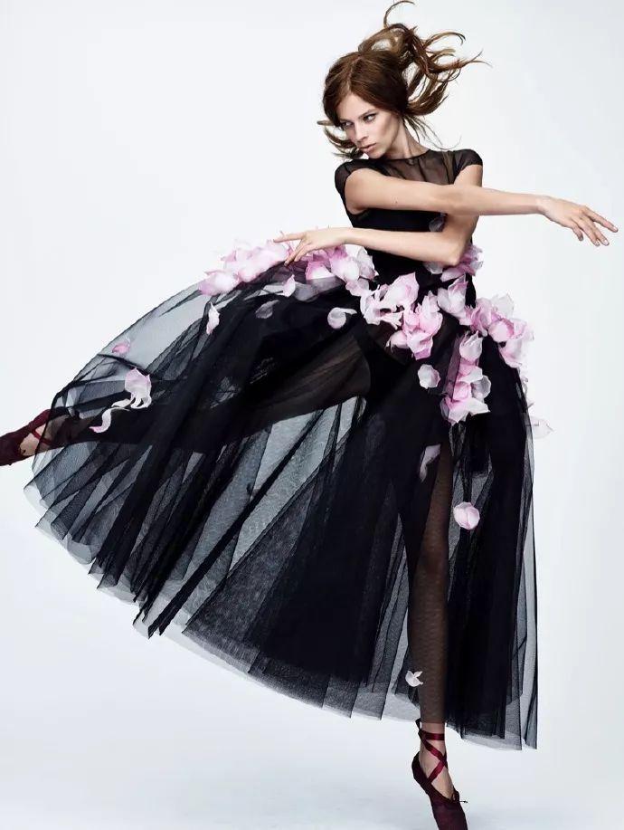 刘亦菲跳芭蕾拍时尚大片 ,引网友争议!-第7张图片