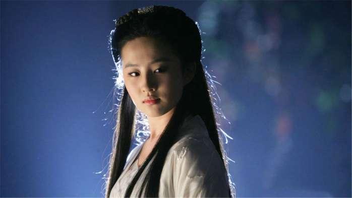 """刘亦菲15岁为""""人母"""",清纯人设被打破-第6张图片"""