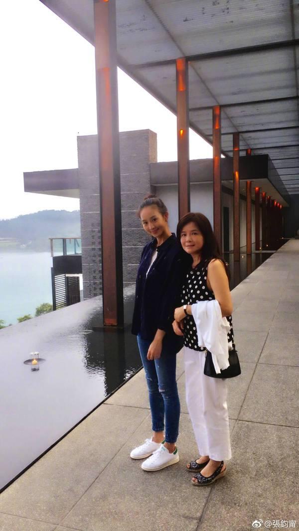 刘亦菲的妈妈听说比她本人还美,厉害了!-第6张图片