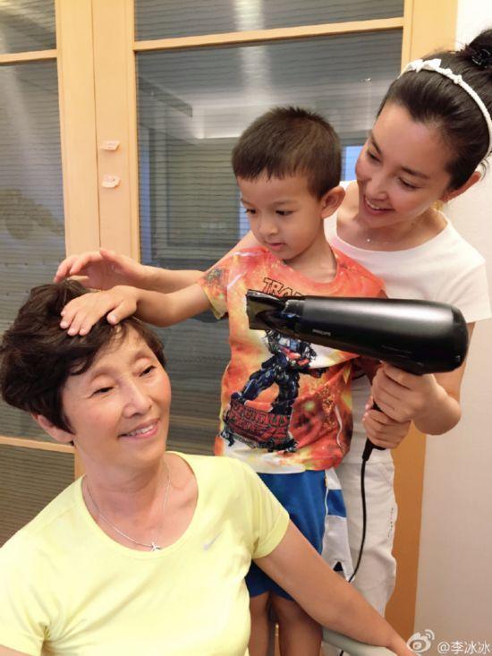 刘亦菲的妈妈听说比她本人还美,厉害了!-第9张图片