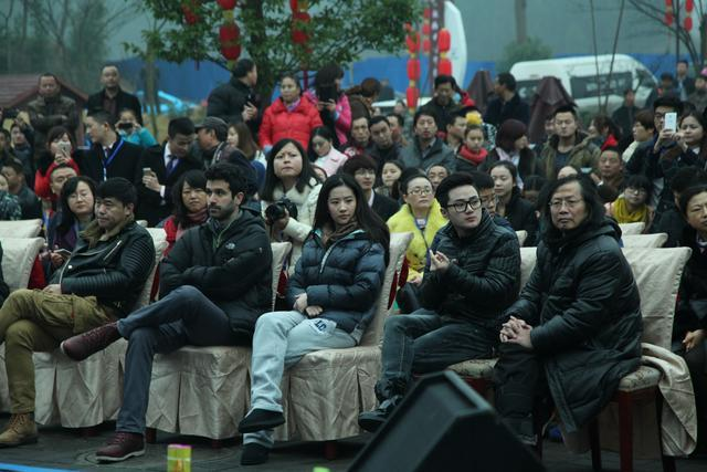 刘亦菲在南充素颜也很美丽,引粉丝追捧-第13张图片