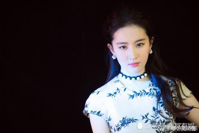 全球美女:青花瓷蓝,刘亦菲-第1张图片