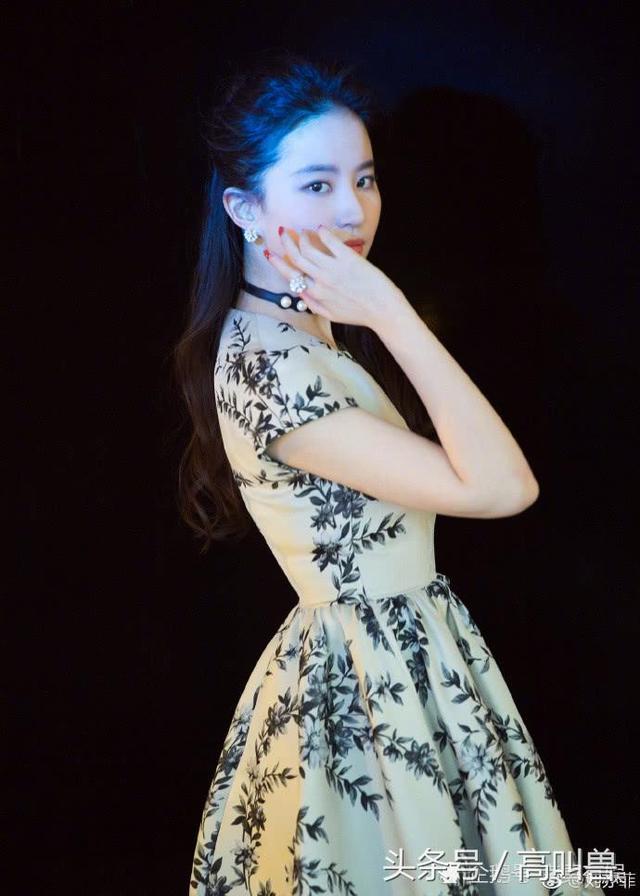 全球美女:青花瓷蓝,刘亦菲-第5张图片