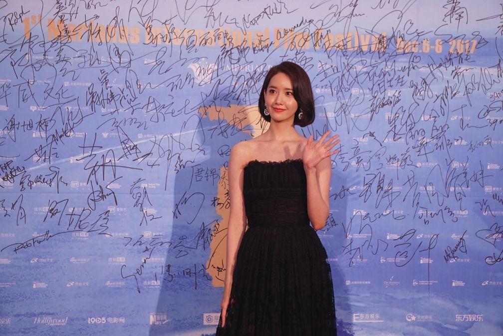 凭《芳华》走红的她,长相酷似刘亦菲,还恋上了刘亦菲的干爹-第4张图片