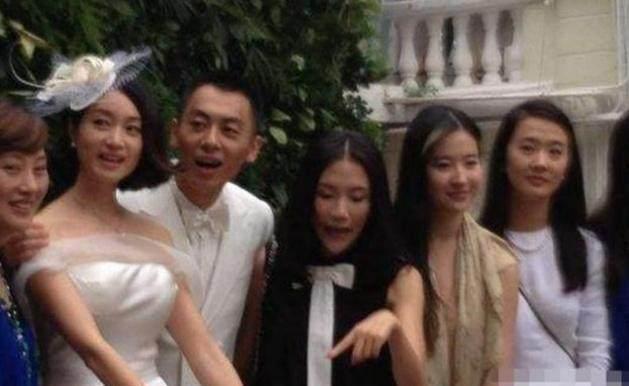 他是刘亦菲的初恋,他结婚时刘亦菲素颜出席,如今过得很幸福!-第6张图片
