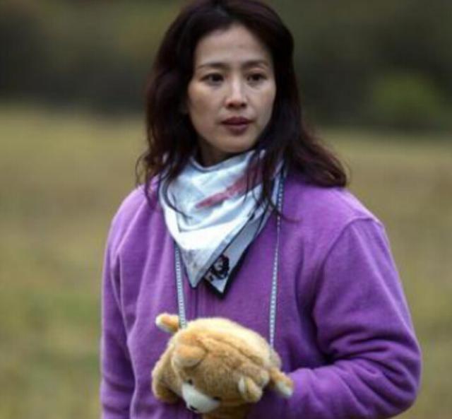 刘亦菲竟是全家最丑,如果都进入娱乐圈就没刘亦菲什么事了!-第2张图片
