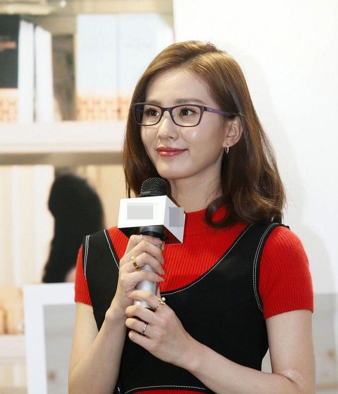 当刘亦菲戴上眼镜-第6张图片