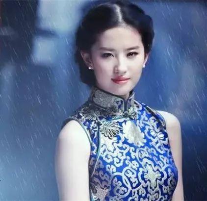 穿旗袍,看明星之:刘亦菲-第1张图片
