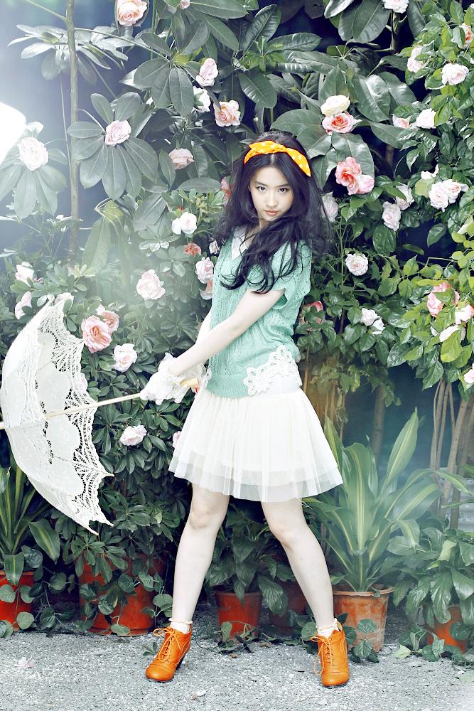 卓多姿女装2013春夏广告大片