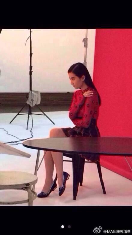 时尚芭莎BAZAAR杂志11月号拍摄花絮