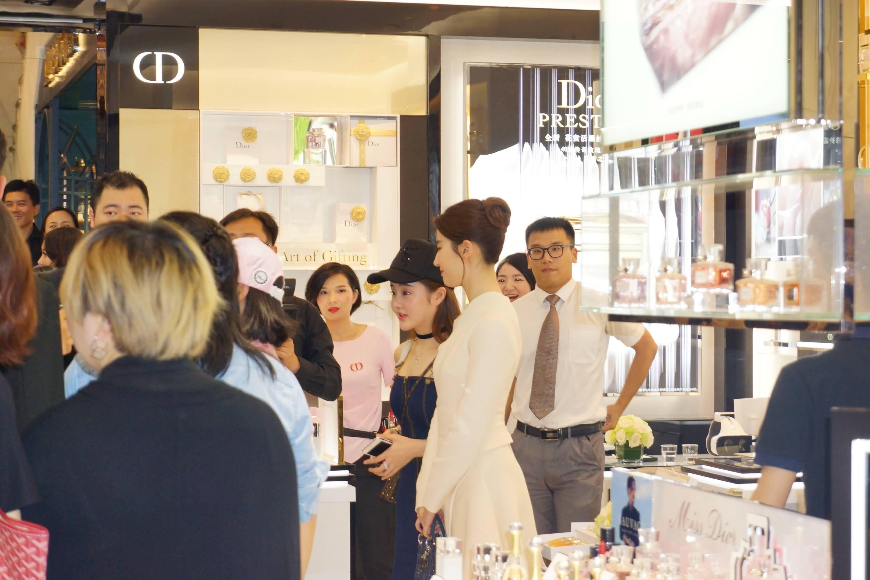 Dior迪奥花蜜活颜丝悦系列杭州大厦活动
