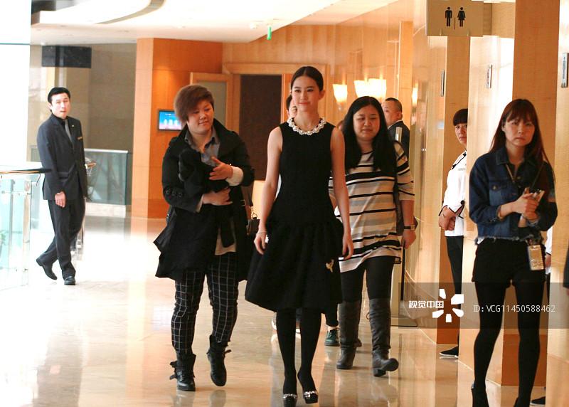 刘亦菲和RAIN主演的爱情片《露水红颜》在上海开机