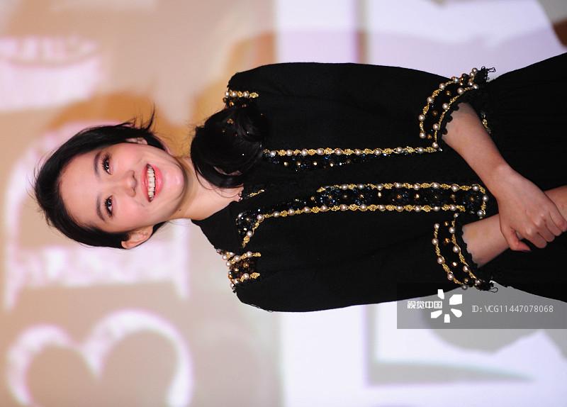 电影《四大名捕2》沈阳举行宣传活动。主演刘亦菲、邹兆龙等出席
