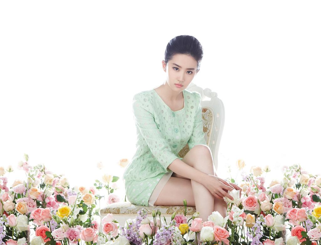 卓多姿2014春装官网截图