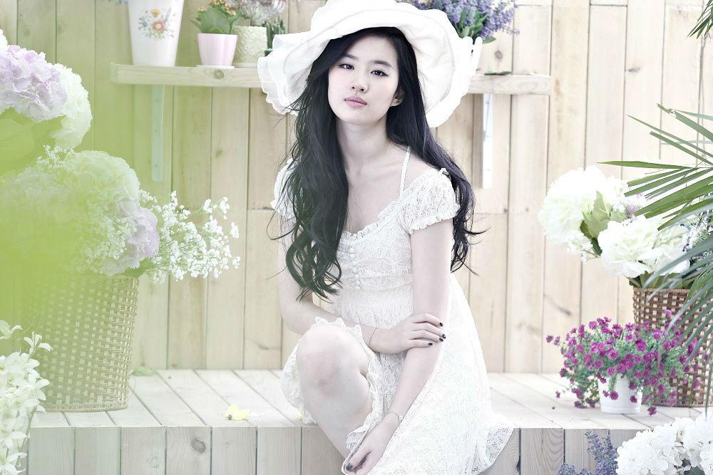 《卓多姿》2013春装大片  《刘亦菲》[2013.1.25]