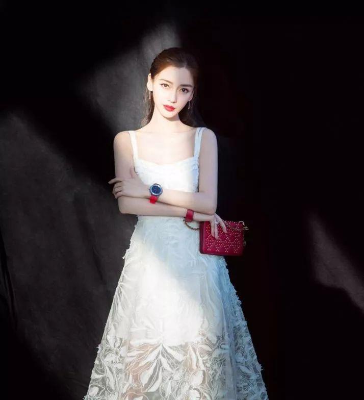纱裙像蚊帐?Angelababy、刘亦菲、赵丽颖......却抢着穿!-第4张图片