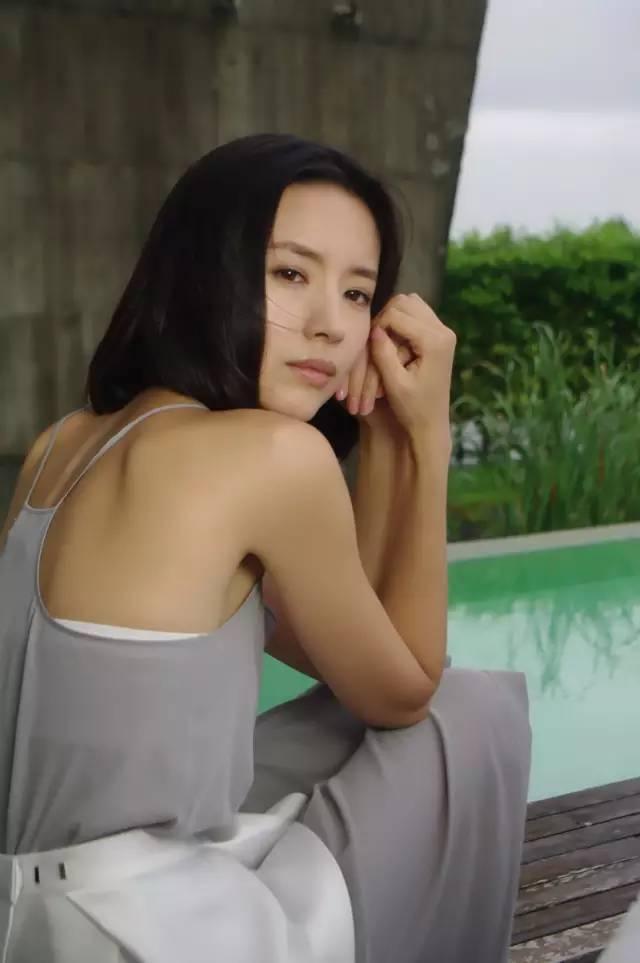 她是陈坤毕生所爱,刘亦菲都给她配戏,如今却出.轨离婚,成了单亲妈妈!-第25张图片
