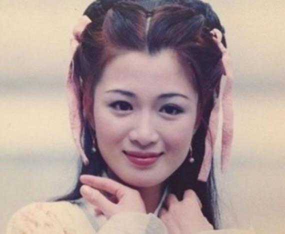 曾比刘亦菲还清纯,前夫猝死女儿重病靠低保生活,今42岁无戏可拍-第3张图片