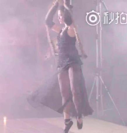 劉亦菲清瘦近照曝光,網友:這是回到小龍女了?-第11張圖片