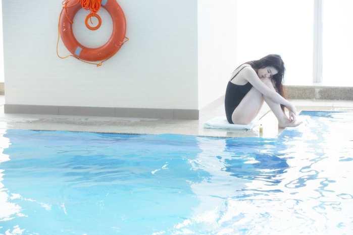 刘亦菲刘诗诗同穿吊带泳衣 网友: 这下差距拉得远了-第3张图片