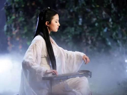 """刘亦菲不再是""""神仙姐姐"""",现在已经""""还俗""""了!-第1张图片"""
