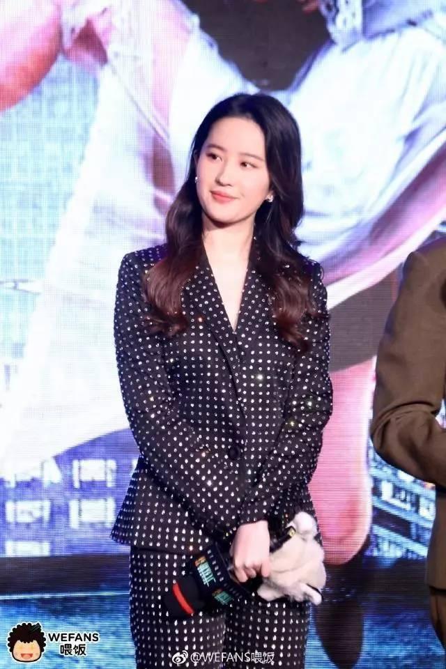 """刘亦菲不再是""""神仙姐姐"""",现在已经""""还俗""""了!-第5张图片"""