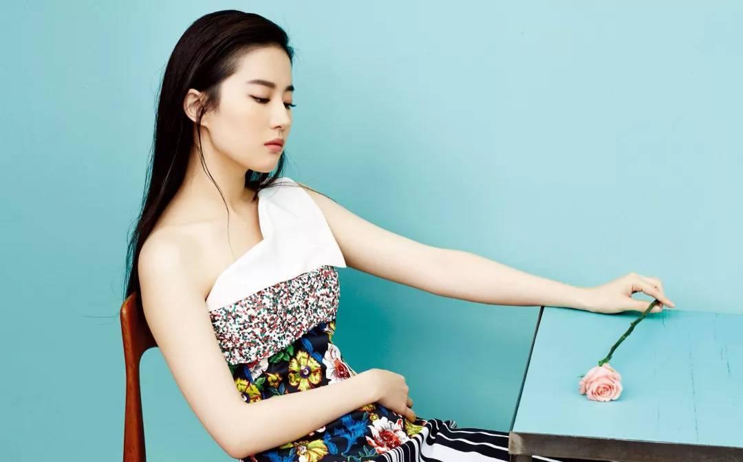 """刘亦菲不再是""""神仙姐姐"""",现在已经""""还俗""""了!-第9张图片"""